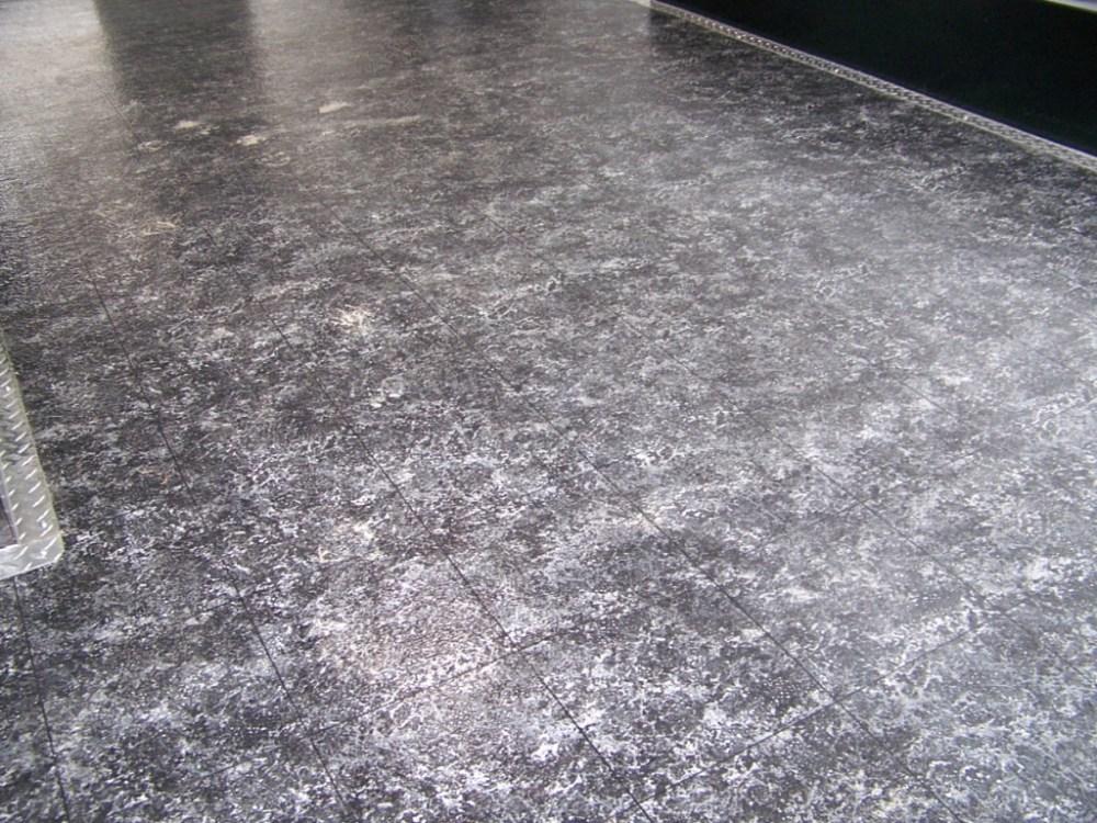 1.547 Nettoyer une tache de peinture à l_huile sur du ciment ou du béton