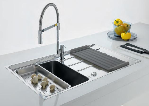 1.819 Nettoyer un lavabo ou une cuve en acier inoxydable (2).jpg