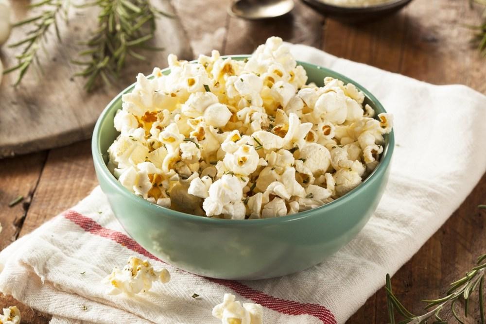 2.244 Réussir son maïs éclaté (popcorn) - recettes ail et herbes.jpg