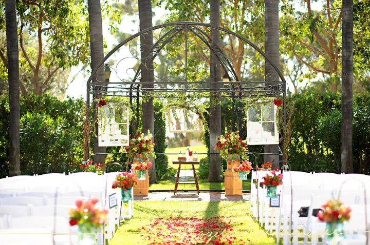 Homemade ceremony backdrop :  wedding ceremony Sarahsceremony
