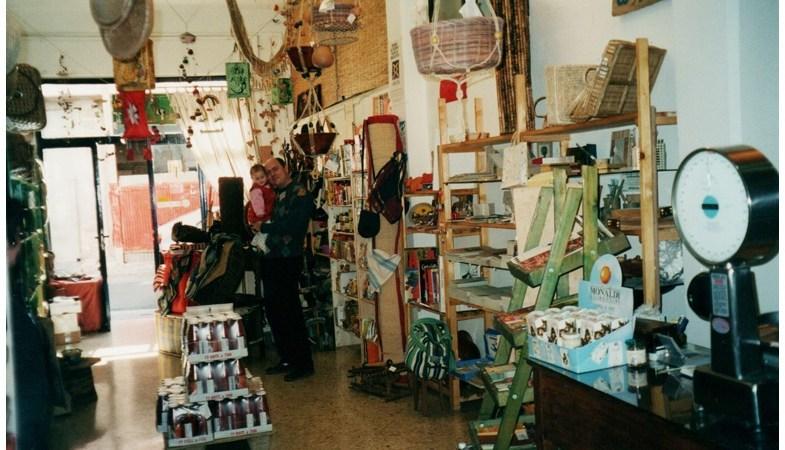 Pionieri del commercio equo e custodi della terra: compie 20 anni Bio Solequo, la bottega equo solidale di Ostuni