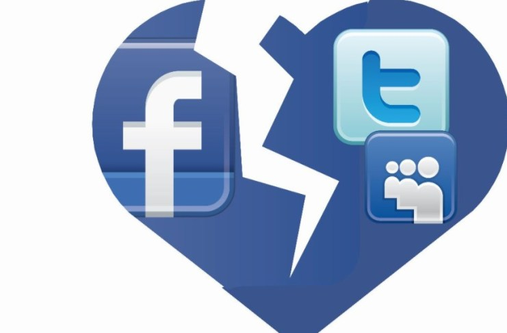 Está Comprovado que os Redes Sociais Podem Destruir um Relacionamento de Namoro