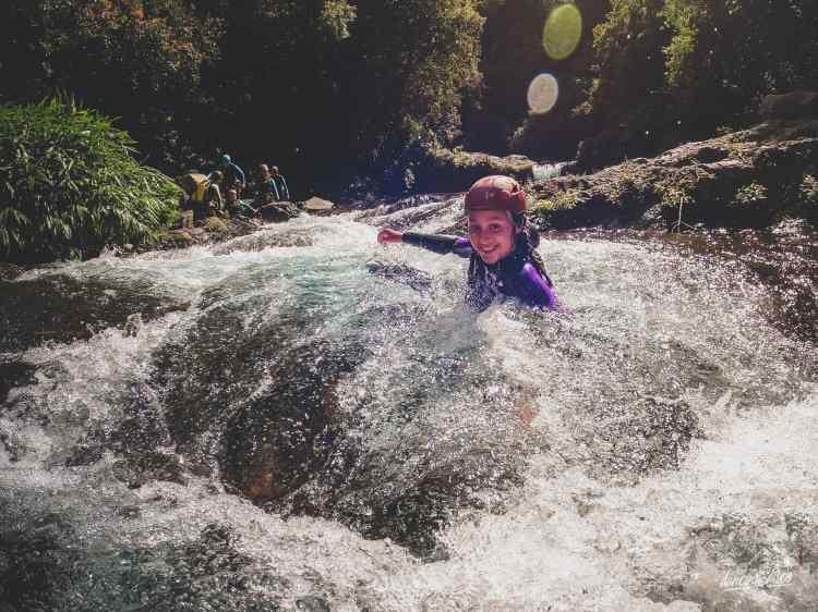 Découverte du canyoning dans la Drôme et le Sud du Vercors. Réservez votre sortie canyoning.