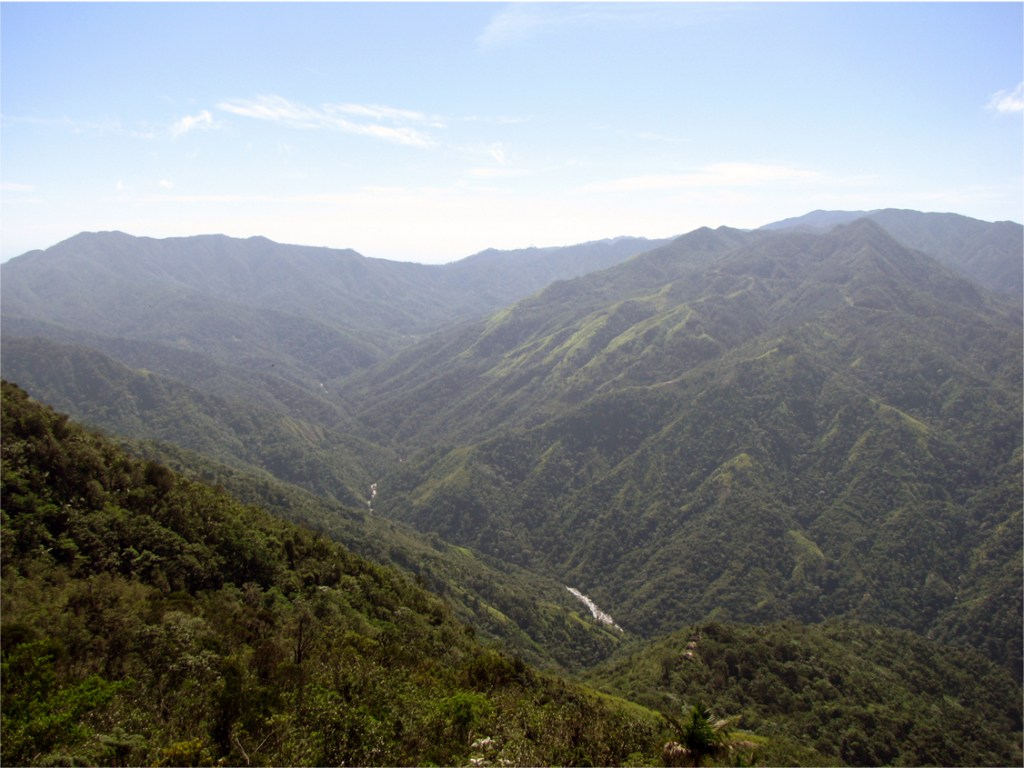 A partial view of the Sierra Maestra mountains (Photo by Ansel Fong).