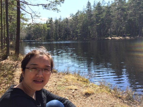 Yihua Xiao doing field work in Lake Solbergvann, Østmarka, SE-Norway in 2018 during her PostDoc stay at NMBU