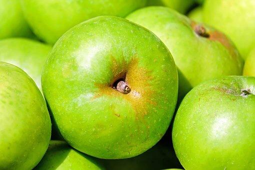 Ev yapımı elma gece kremi