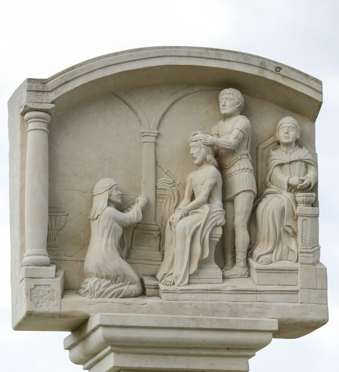 Marijin put: Žalosna otajstva, III. postaja - Trnovo krunjenje Gospodina našega Isusa Krista
