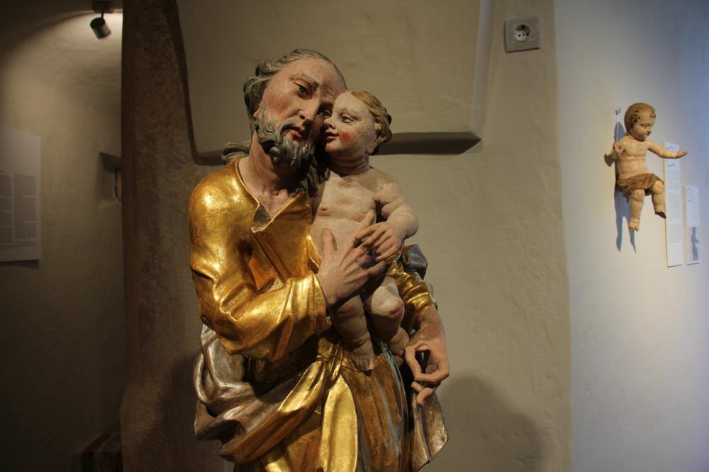 Kip sv. Josipa s malim Isusom iz župne crkve Rođenja BDM, Okić, XVIII. st.