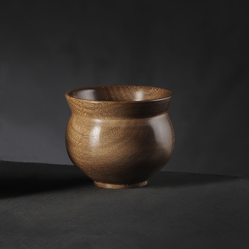 Tony King. 166 Walnut bowl