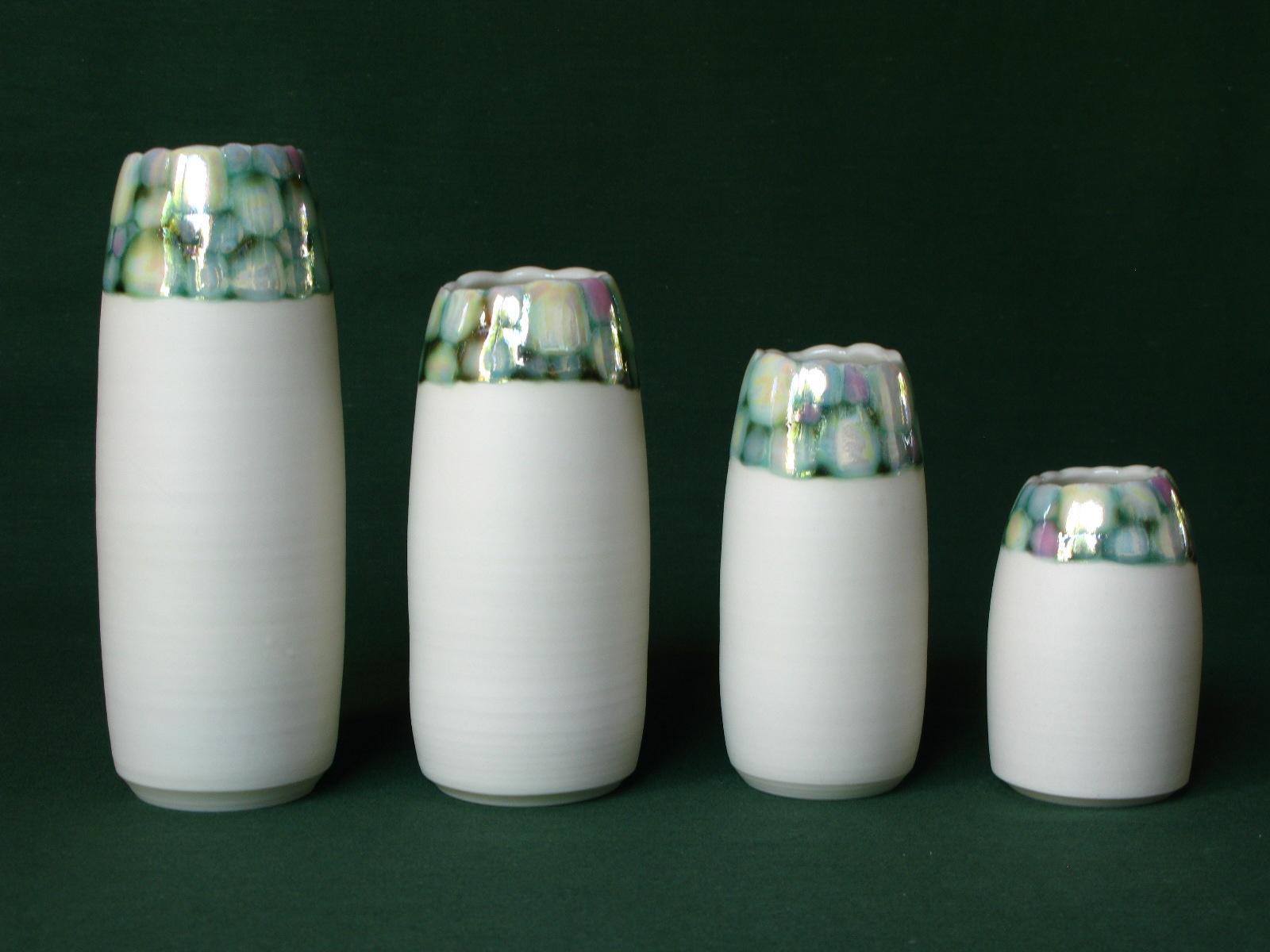 Gillian McMillan. 'Pebble' vases