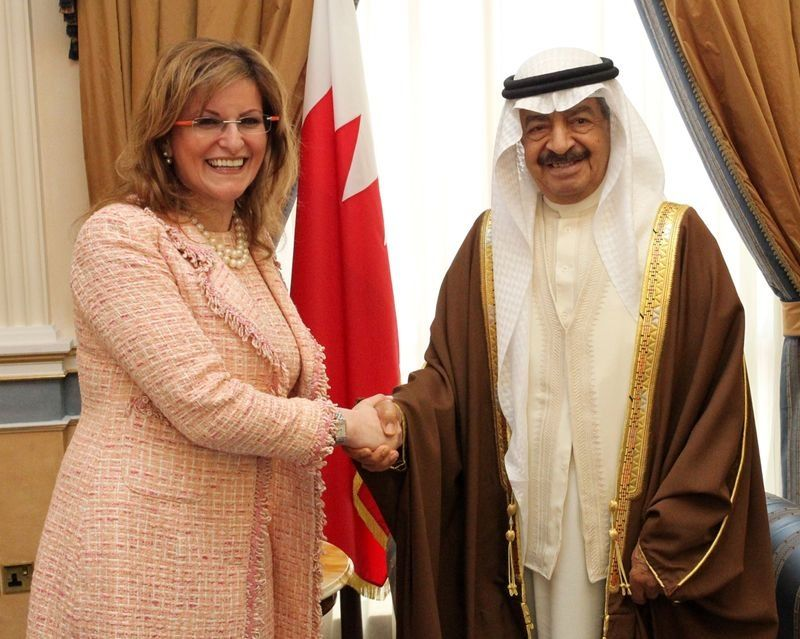 President of BPW International Freda Miriklis (left) with Bahrain Prime Minister Khalifa Bin Salman Al Khalifa (right)