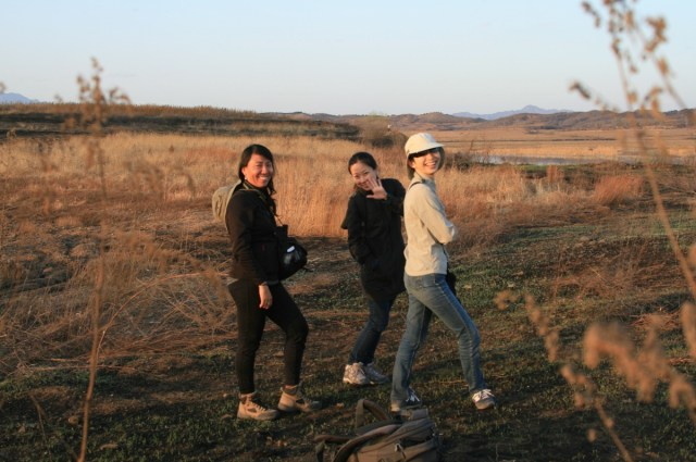 The girls enjoyed the PIED KINGFISHER sighting...  or was it the thought of dinner?