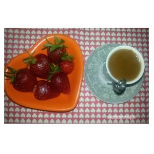 çilek ve türk kahvesi