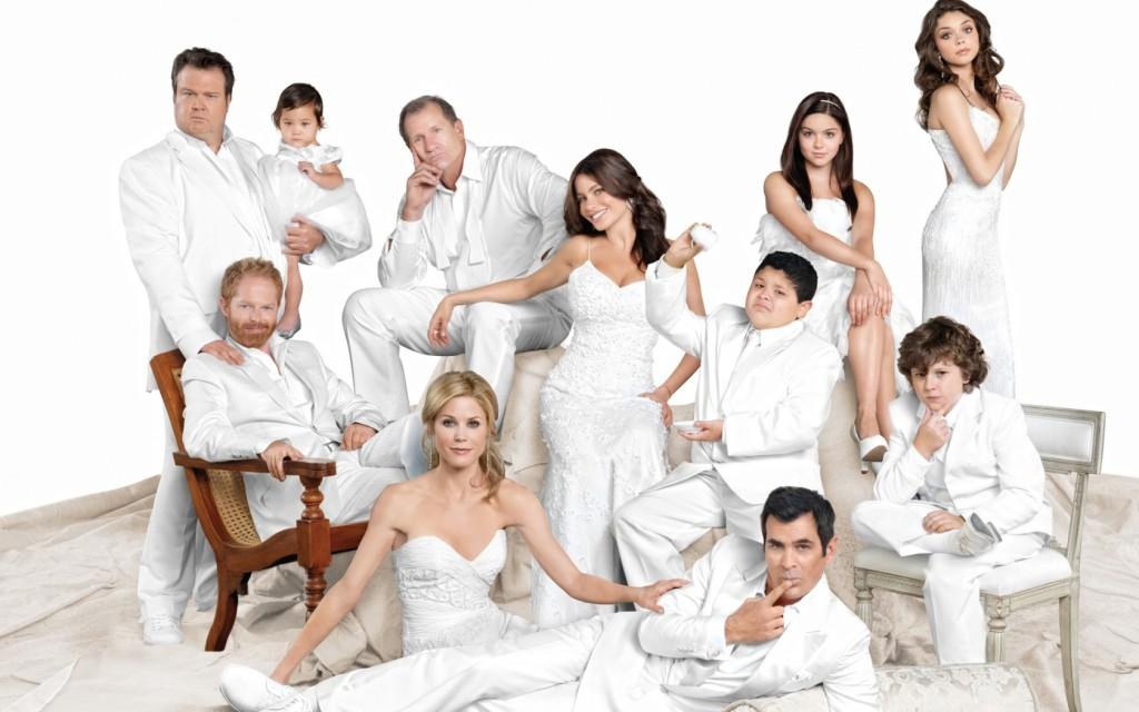 modern_family_serie_background-1680x1050-1024x640.jpg