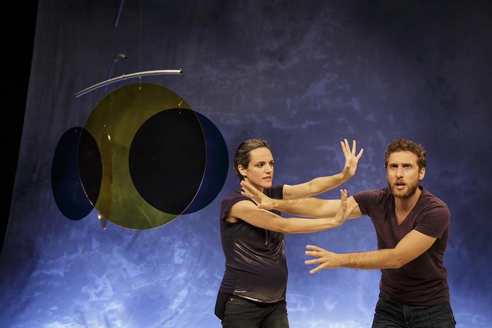 Sofia Dias e Vítor Roris in António e Cleópatra di Tiago Rodrigues