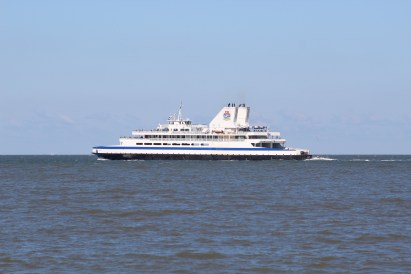 Cape May-Lewes Ferry takes off (Image by BirdNation)