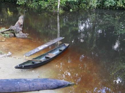 Small boats on the river at Ceima Cachivera