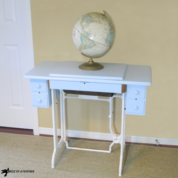 Upcycle a Singer sewing machine table into a desk. Learn how to repurpose and paint a Singer sewing table. | Birdz of a Feather | Singer sewing machine table | Singer sewing machine table repurposed | Singer sewing machine ideas | sewing table DIY | sewing table repurposed | Upcycled furniture | Painted furniture | Singer sewing machine table desk | #paintedfurniture #vintagefurniture #Singersewingmachine #sewingmachinetable #singersewingmachinerepurposed | BirdzofaFeather.ca