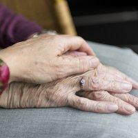 Mutterzeit: Eine Autorin berichtet vom Glück, ihre Mutter beim Altwerden zu begleiten