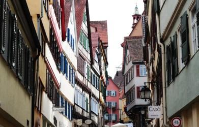 https://pixabay.com/de/photos/t%C3%BCbingen-gasse-fachwerk-historisch-4490761/