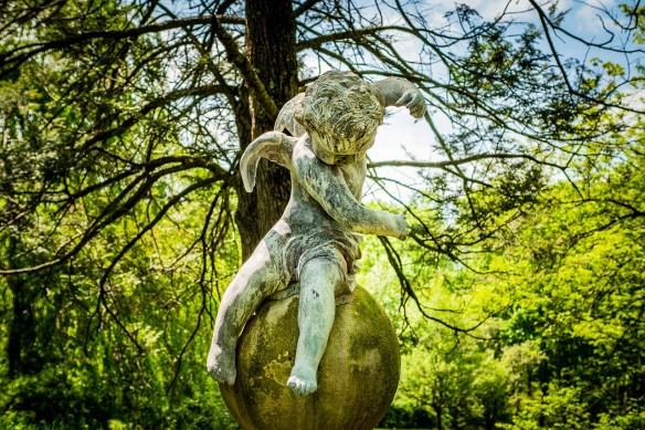 sculpture-3448975_1280