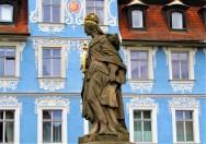 https://pixabay.com/de/photos/bamberg-steinfigur-fassade-skulptur-4245710/