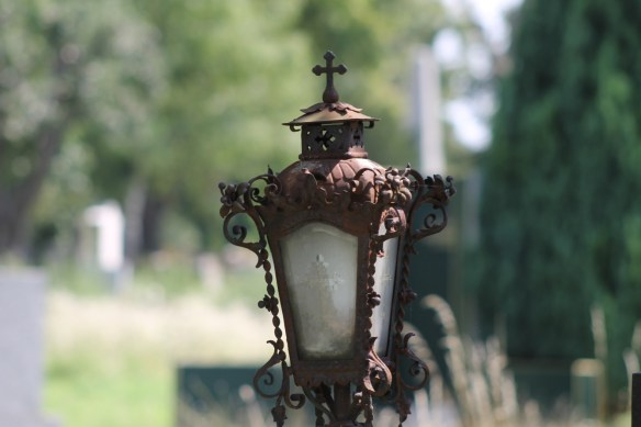 cemetery-2714059