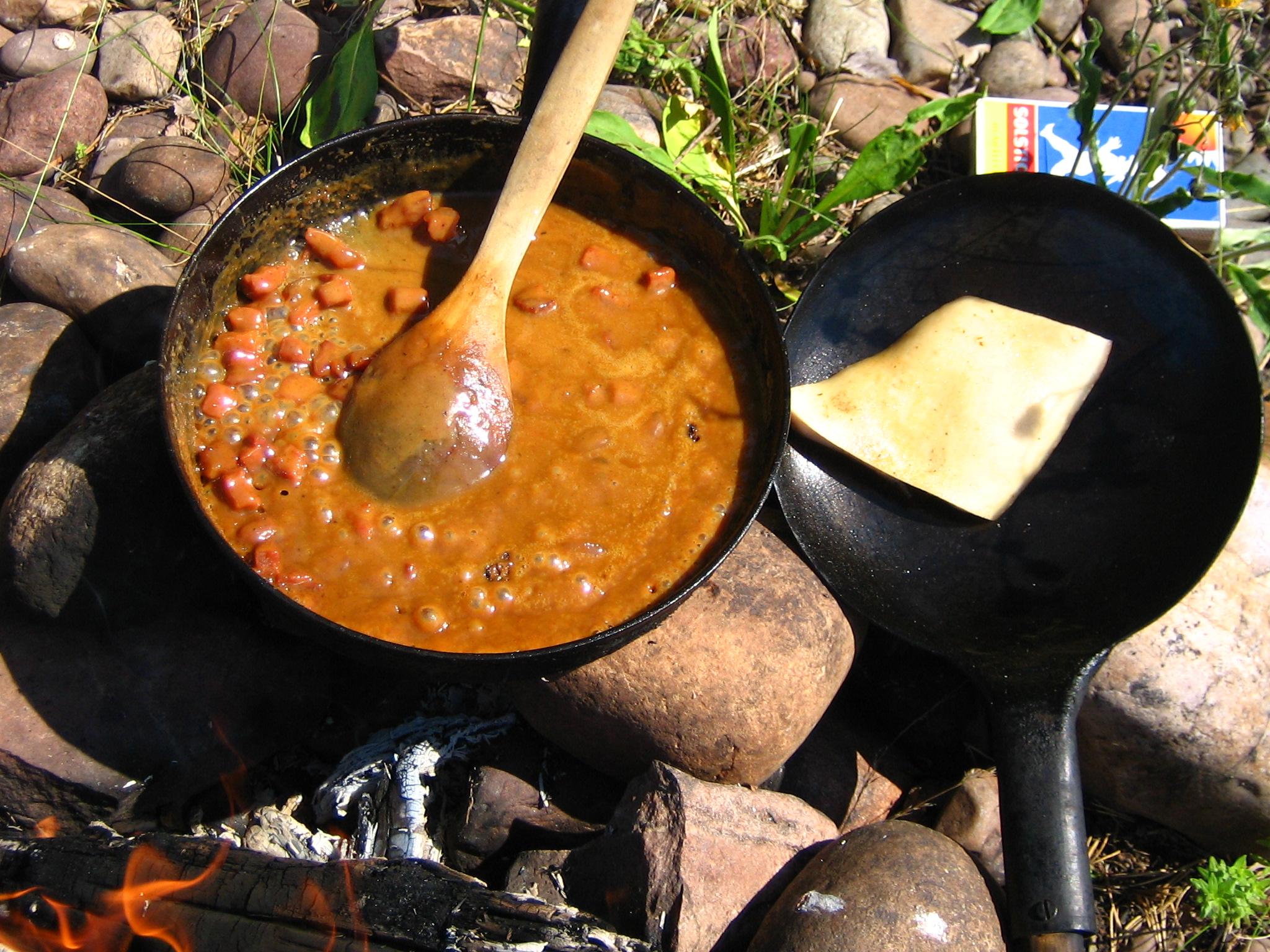 Messmörduppa, sås på Messmör och Fläsk serveras till Kolbotten