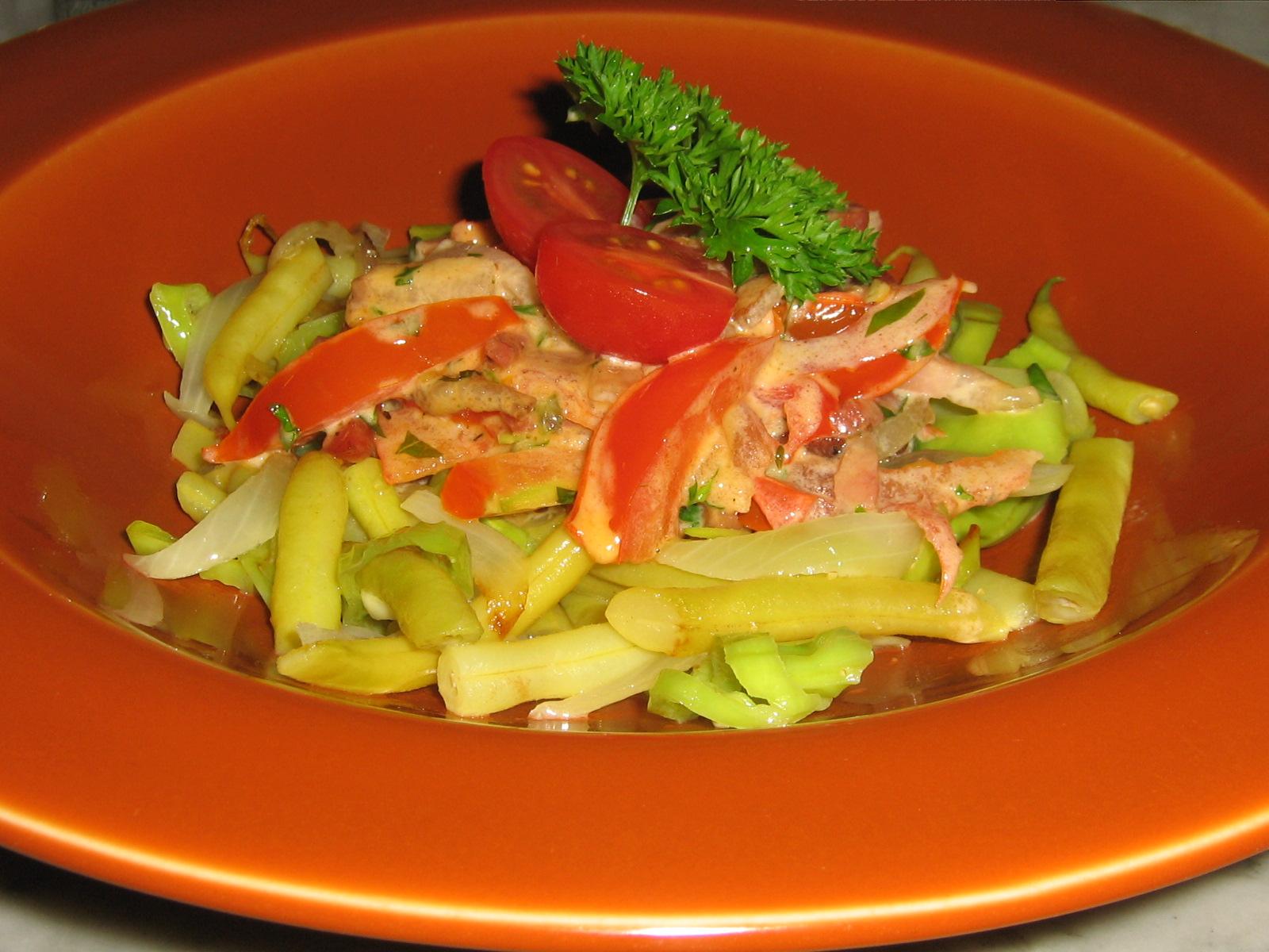 Vaxbönor med Tomat-gräddsås och Rökt Fläsk