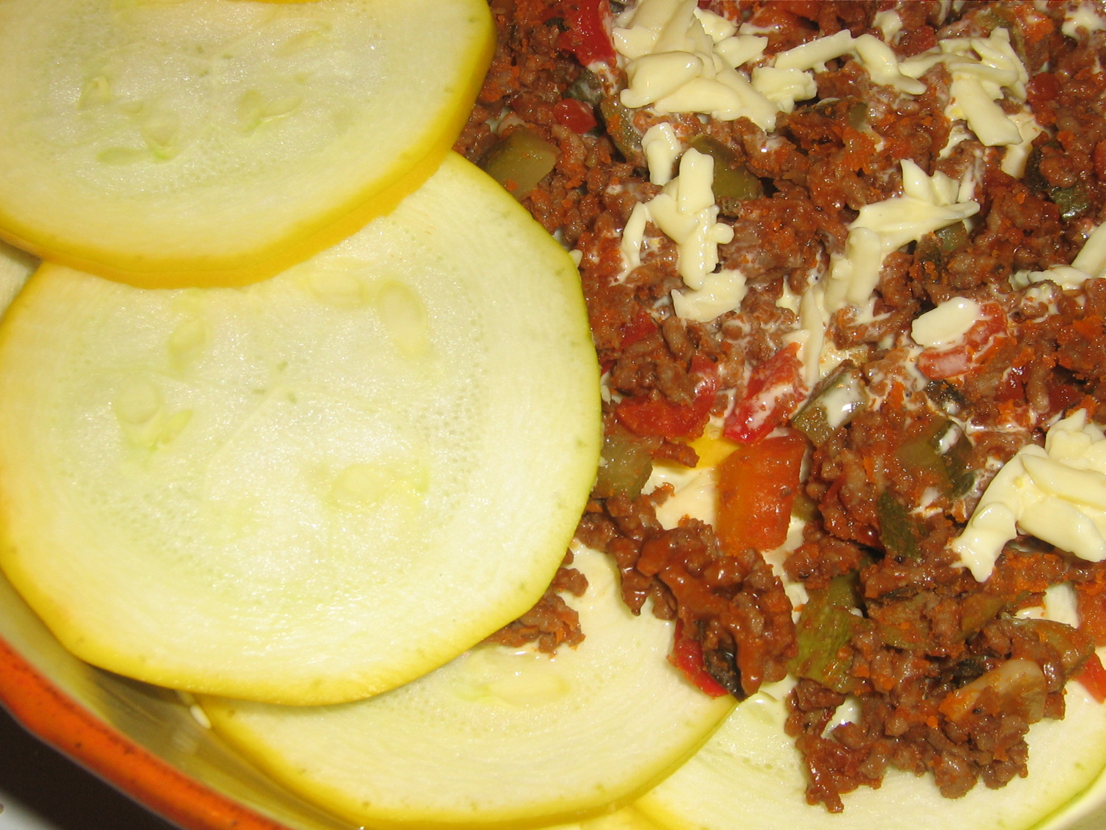 Gul Zucchini, Köttfärssås och Ostsås blir Lowcarb Lasagne