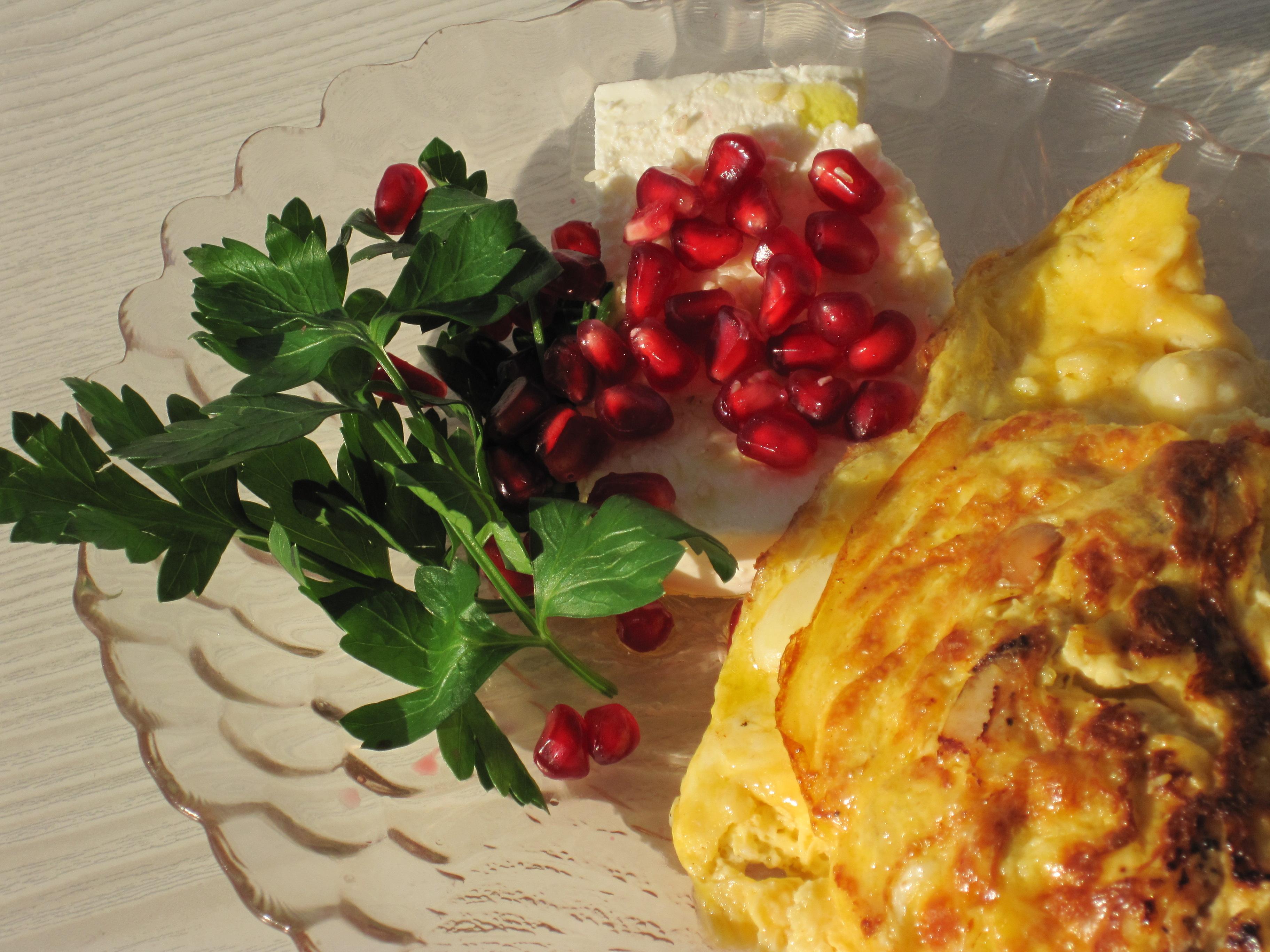 Omelette med Alanyabananer, Kyckling och Cachewnötter