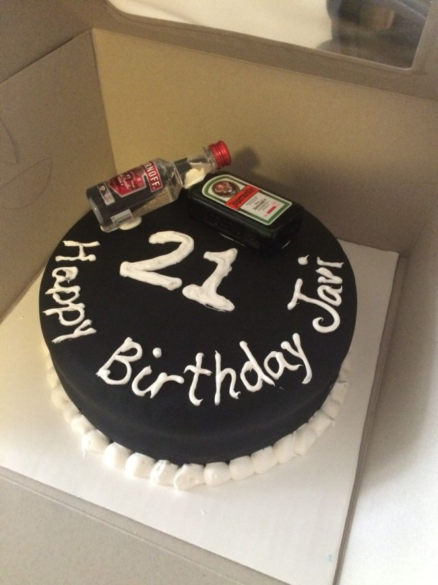 21St Birthday Cakes For Him Simple But Nice Cake For Guys 21st Birthday Baking Pinterest