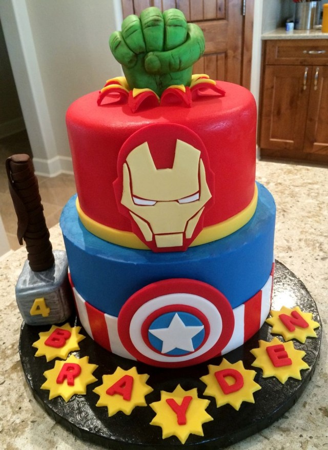 Avengers Birthday Cake I Did This Cake For My Grandson Who Is Obsessed Beautiful Cakes