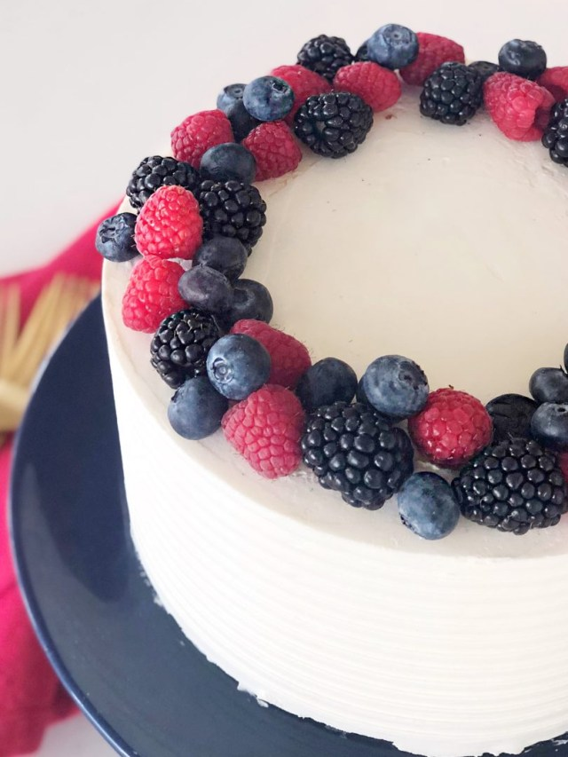 Blueberry Birthday Cake Cake Courtney Red White And Blue Berry Cake