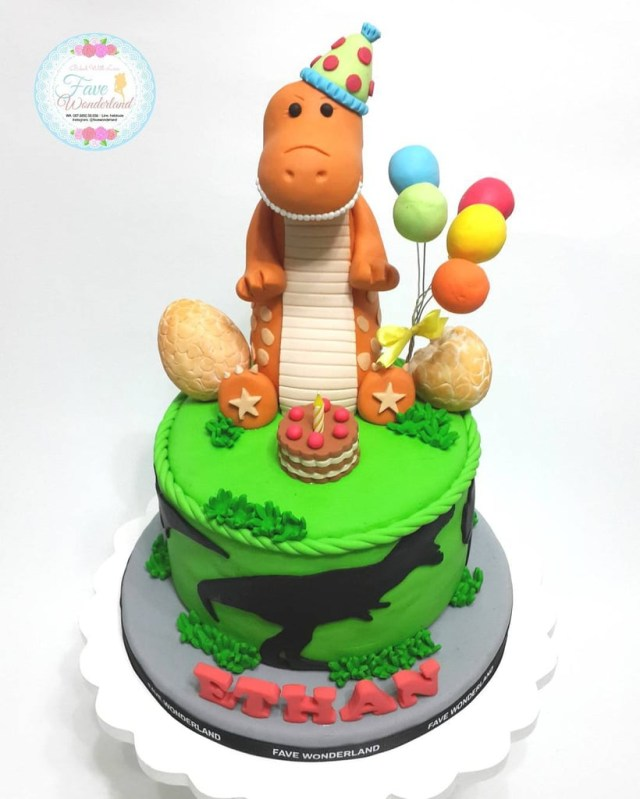 Dinosaur Birthday Cake Dinosaur Birthday Cakes For Kids Popsugar Family