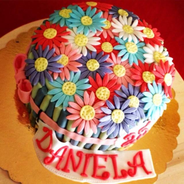 Happy Birthday Cake And Flowers Daisy Cake Flowers Happy Birthday Daniela Le Mie Torte