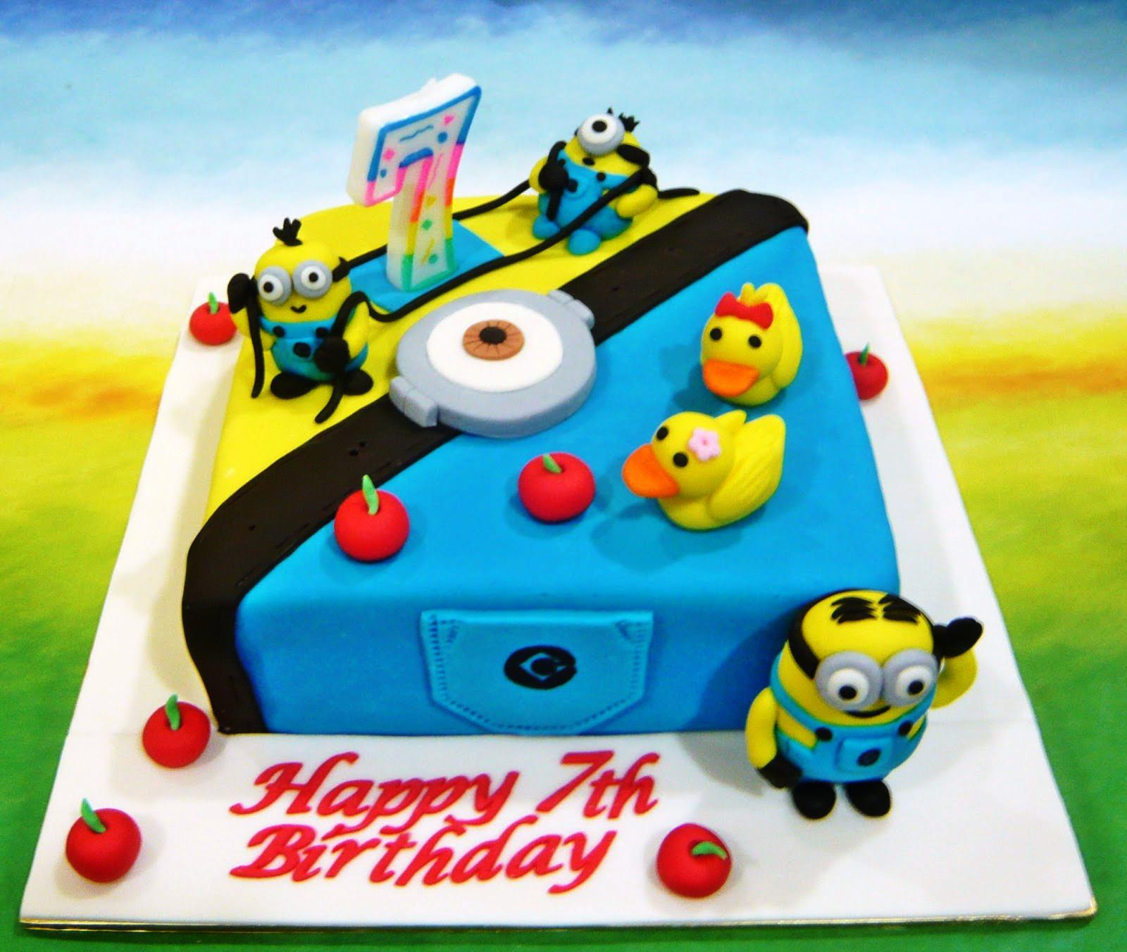 Awesome Minion Birthday Cake Images How To Make Despicable Me Birthday Funny Birthday Cards Online Fluifree Goldxyz