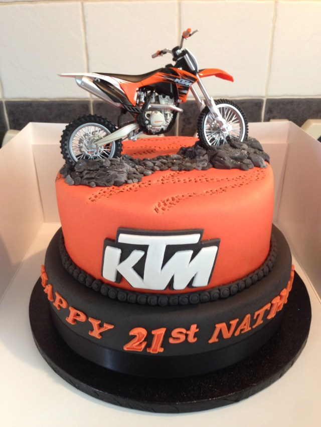 Motorcycle Birthday Cake Really Awesome Birthday Cake With A Ktm Dirt Bike On It My Fav