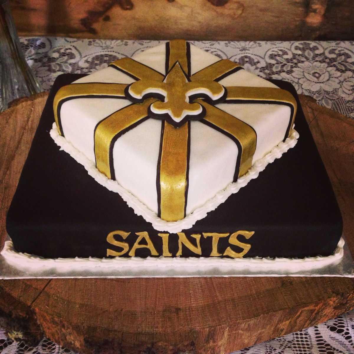 Incredible Saints Birthday Cake New Orleans Saints Cake My Cakes And Cupcakes Personalised Birthday Cards Veneteletsinfo