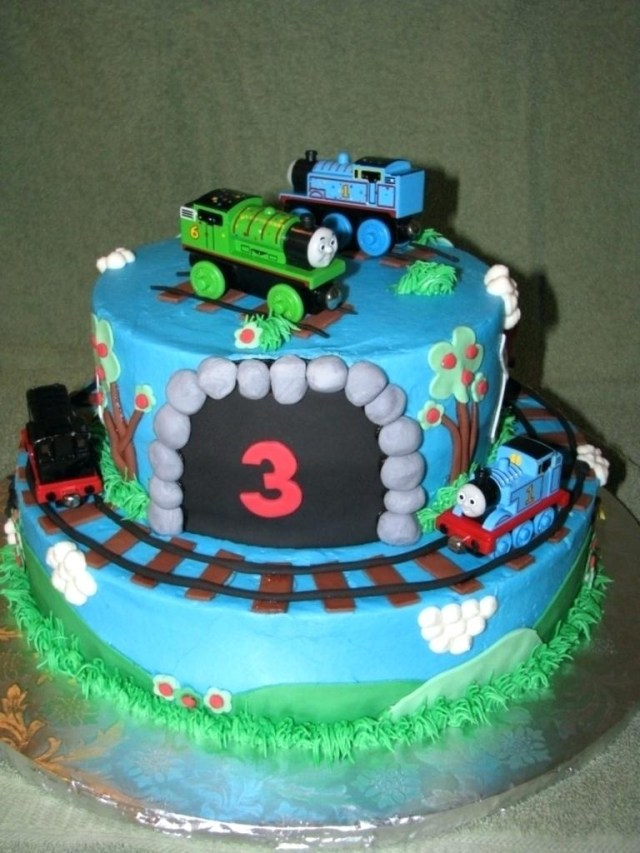 Stupendous 25 Pretty Picture Of Thomas And Friends Birthday Cake Birijus Com Funny Birthday Cards Online Fluifree Goldxyz