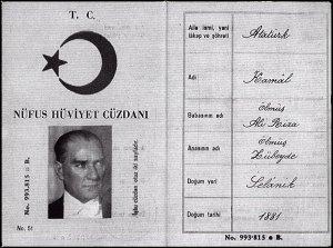 Atatürk'ün 993_815 Seri Numaralı Nüfus Cüzdanı