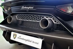 Lamborghini Aventador birmingham limo hire with cheap limo hire birmingham, hummer hire birmingham and limousine hire birmingham
