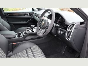 Porsche Cayenne Chauffeurs Hire London Prestige Car UK