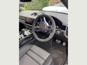 Porsche Cayenne Chauffeurs Hire London Sports Car UK