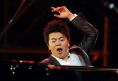 Lang Lang performs during his concert in his hometown, Shenyang / www.news.cultural-china.com/