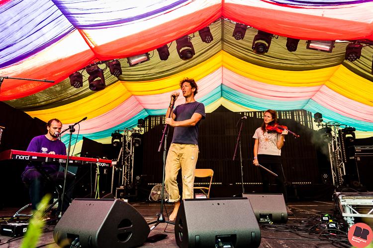 Sam Lee & Friends @ Moseley Folk Festival 2016 / By Rob Hadley (Indie Images)  © Birmingham Review