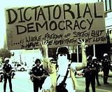 Demokrasi Sepaket Oposisi