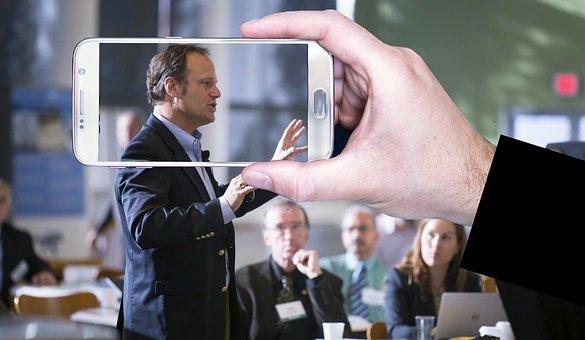 Menjadi Pembicara yang Kompeten