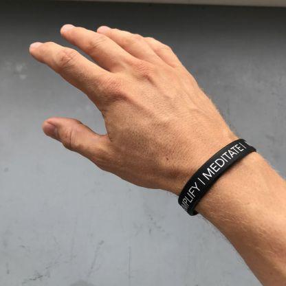 Motivation Armband Meditate Hand