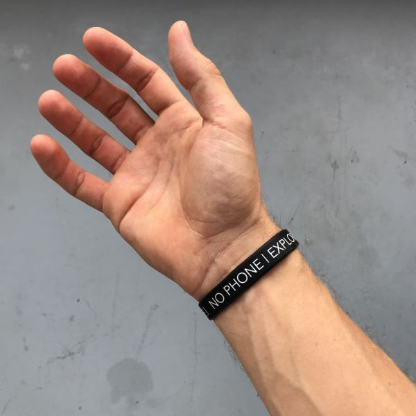 Motivation Armband No Phone Hand